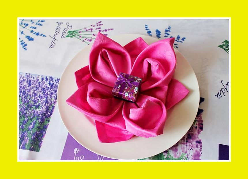Lotusblüte Tischdeko Servietten falten