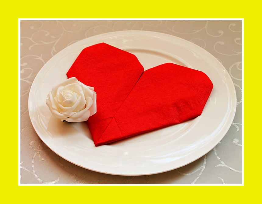 Serviette romantisch falten Herz rot