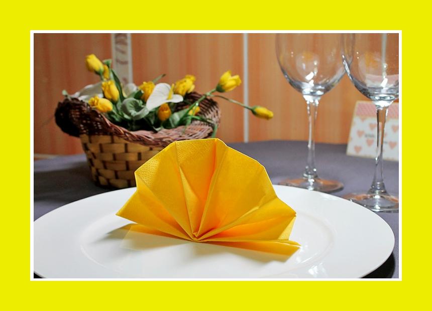 Servietten falten Fächer Tischdeko