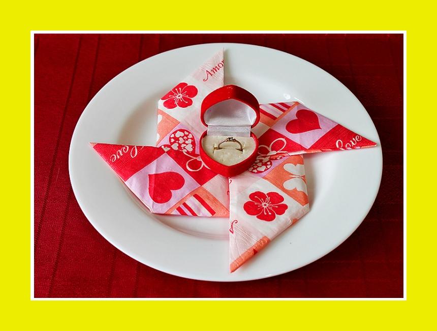 Servietten falten Valentinstag