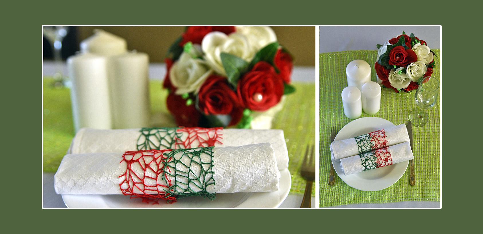 Stoffservietten mi roten und dunkelgrünen Bändern dekorieren zum Geburtstag
