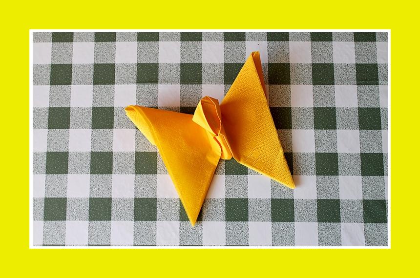 Tischdeko mit Serviettendeko Schmetterling