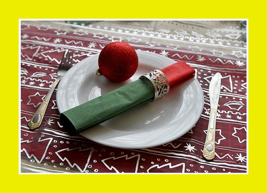 Serviette mit dem Serviettenring Tischdeko für Silvester